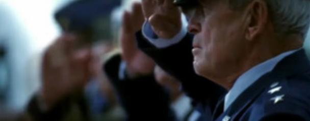 アルマゲドンの名シーン。大統領の演説と全員敬礼